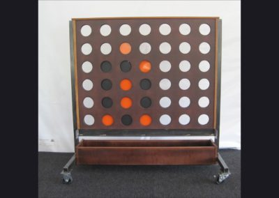 HD Museum Connect 4 Game  4 ft wide